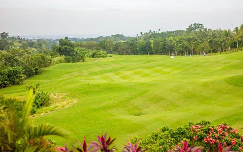 House For Sale Beside the Golf Course Near Tagaytay